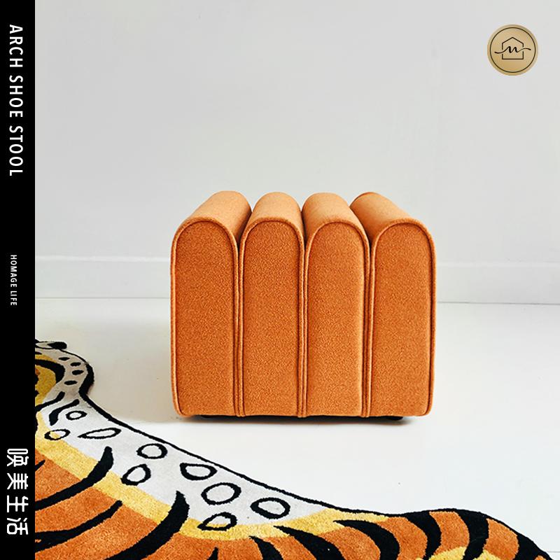 北欧轻奢丝绒换鞋凳创意化妆凳沙发软包脚踏坐垫玄关凳服装店矮凳