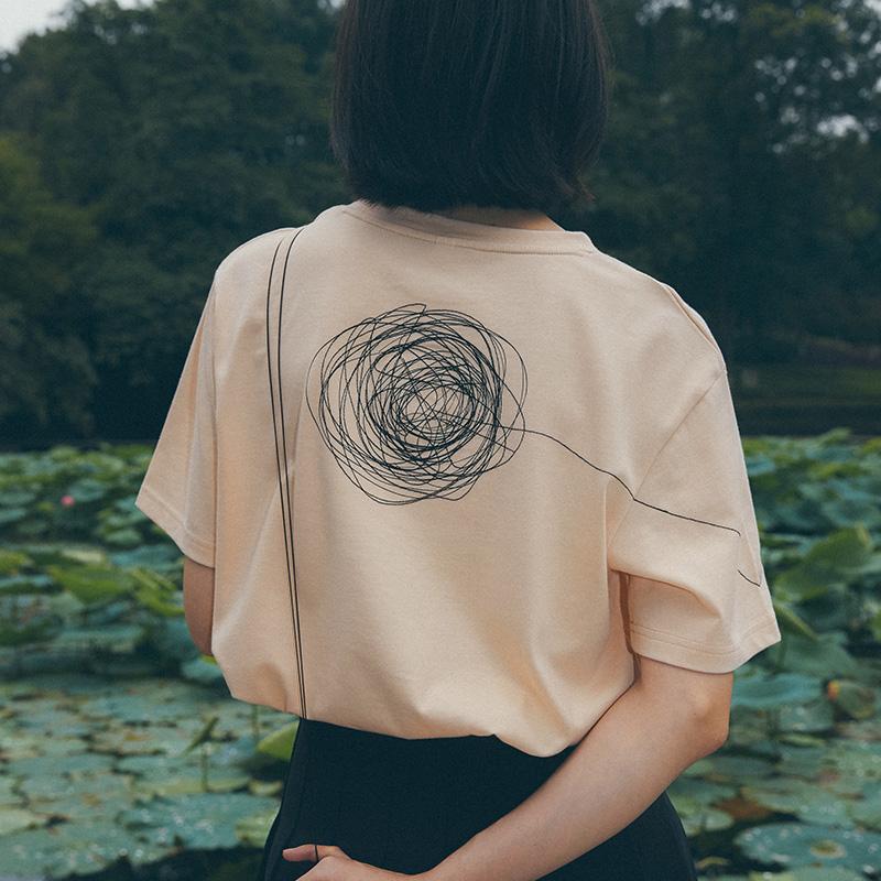 靴下物伍迪艾伦系列原创v刺绣刺绣棉t恤女夏纯色文艺几何短袖线条