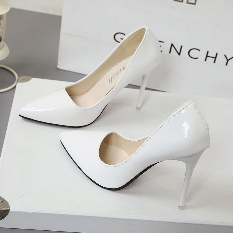 Janes high-heeled shoes, womens birthday, creative patent leather, fixed gifts, thin heeled womens pointy white stage work shoes, spring