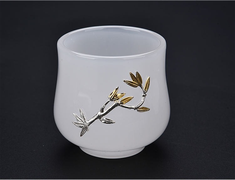 The ancient jade sheng up porcelain cup sample tea cup masters cup bowl of The big white porcelain glass colored glaze single cup silver cup and cup
