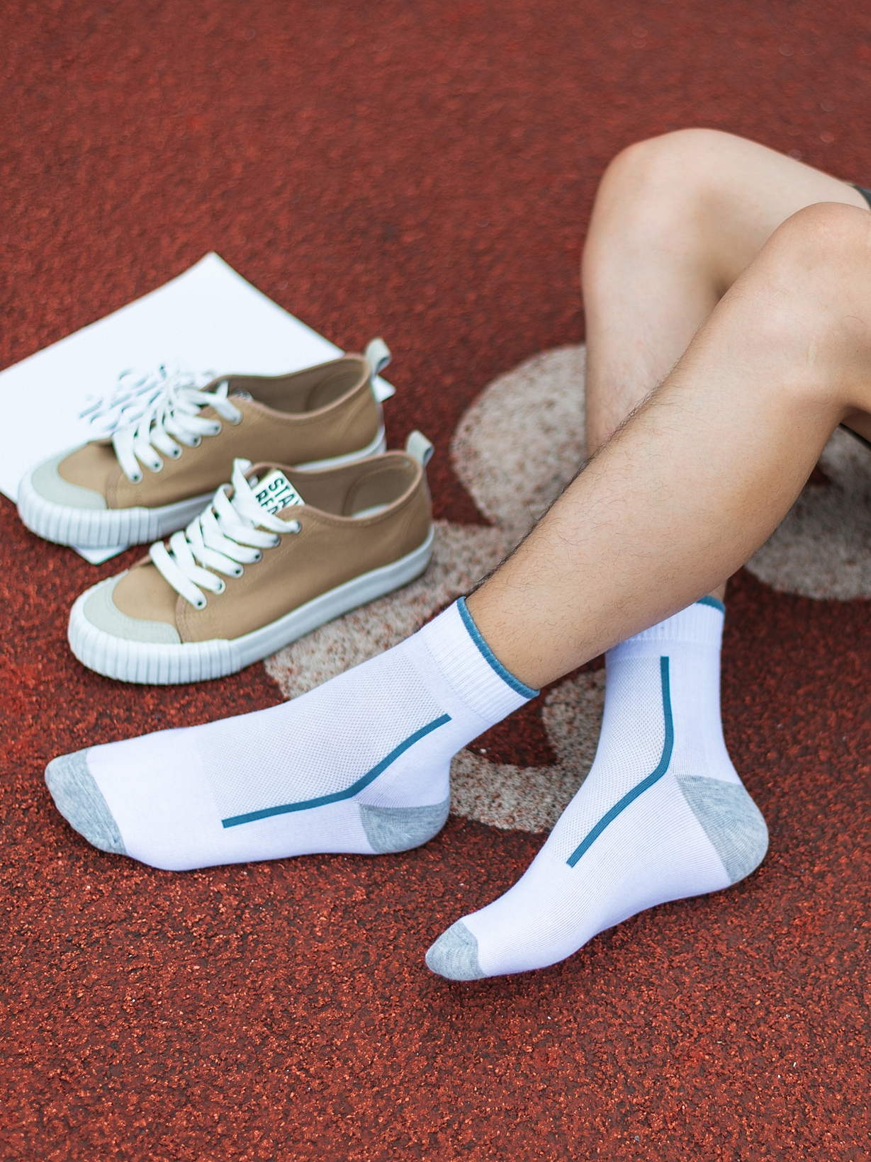 Socks men in the tube socks cotton summer thin section of the young students Big children mesh breathable deodorant sports trend