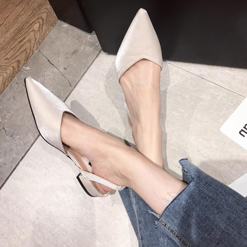 杏色后空扣带尖头低跟绸缎女2019夏韩版单鞋面中空平跟工作鞋蓝色