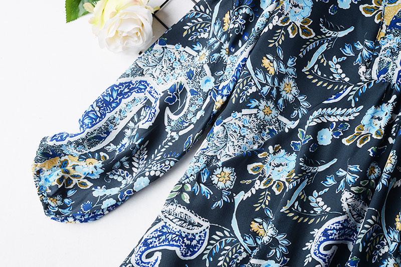 R2 2018 phong cách dân tộc mới ren khâu của phụ nữ thời trang hoang dã in voan V-cổ đầm ren triều