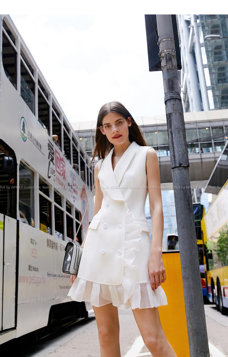 DPLAY2018 mùa hè mới Châu Âu và Mỹ phù hợp với màu trắng cổ áo đôi ngực voan khâu đi lại vest dress