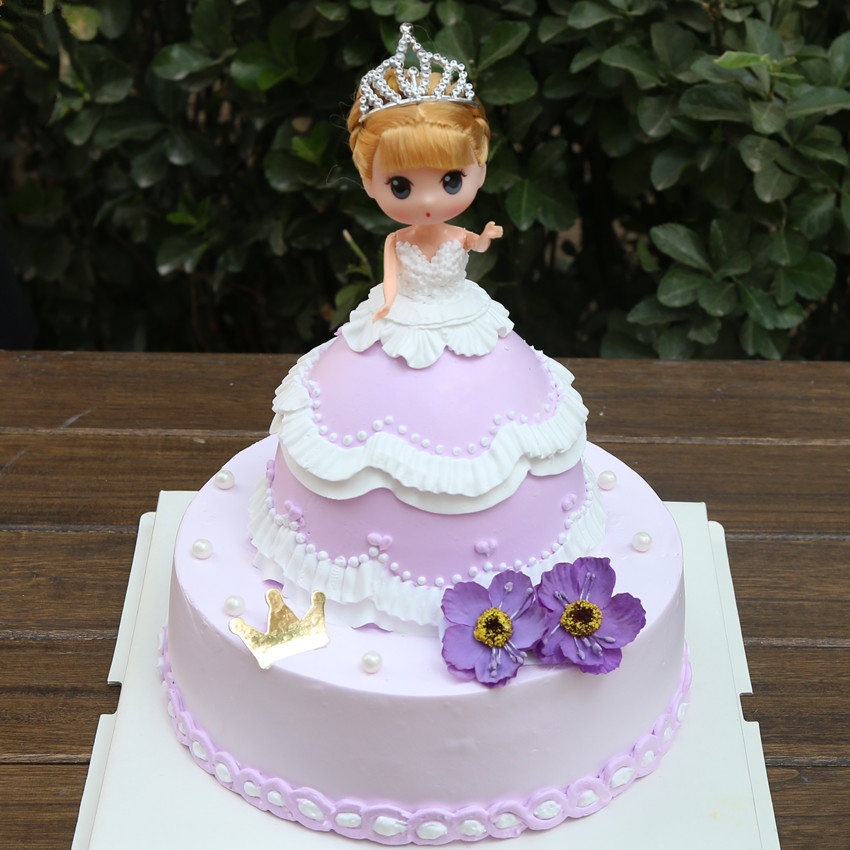 Beijing distribution confused Barbie doll Double birthday cake