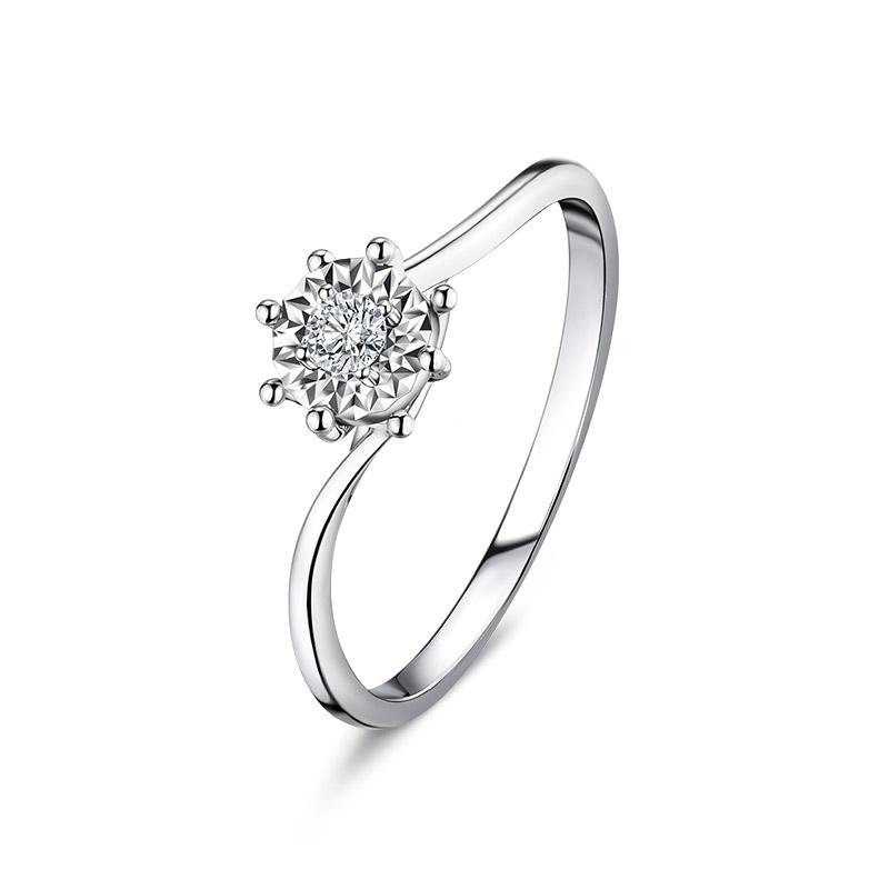 六福珠宝日曜钻戒18K金钻石戒指女求婚戒指结婚钻戒正品送礼N192