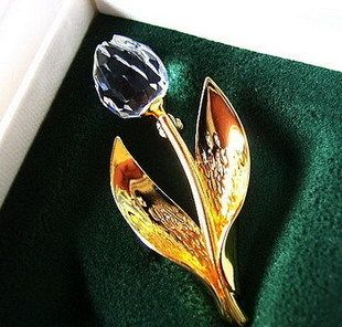 Spot authentic Swa*rovski Shijia Golden Tulip Small Brooch 199390 / can be used as a pendant in stock