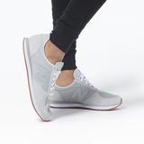 new balance 220系列 WL220TD 女款复古跑鞋 249元包邮(需用券)