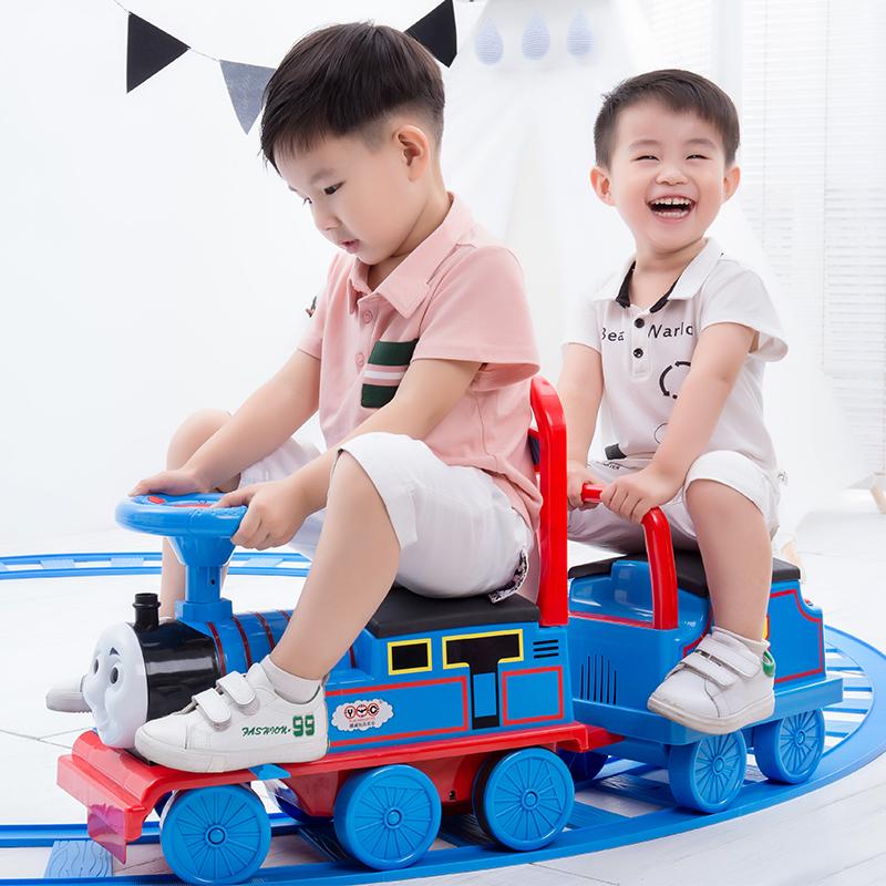 Более честный локомотив Томаса комплект Электромобиль на вагонах детские игрушечный мужской Ребенок 1-3 года может сидеть 4