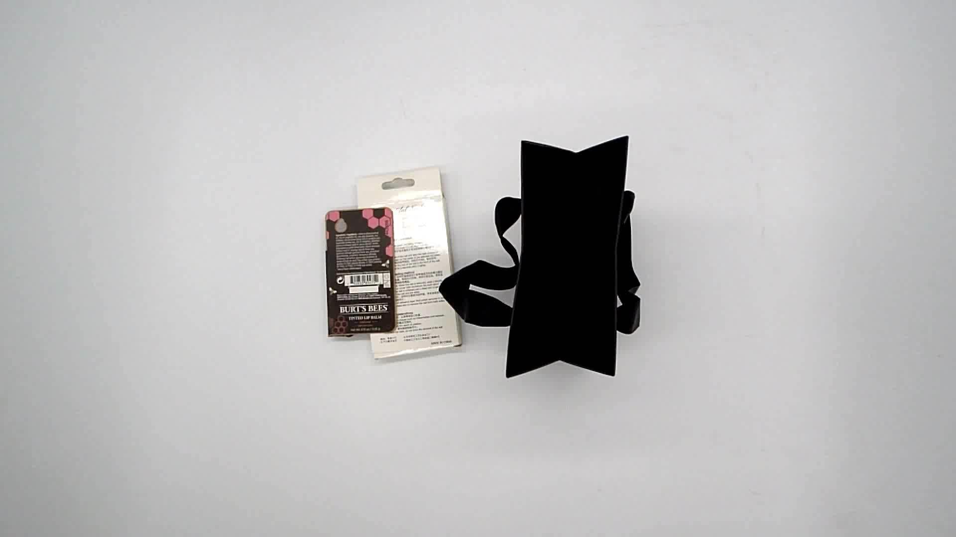 सुरुचिपूर्ण स्वनिर्धारित बुटीक सफेद क्राफ्ट हाथ रिबन संभाल के साथ कागज उपहार बैग