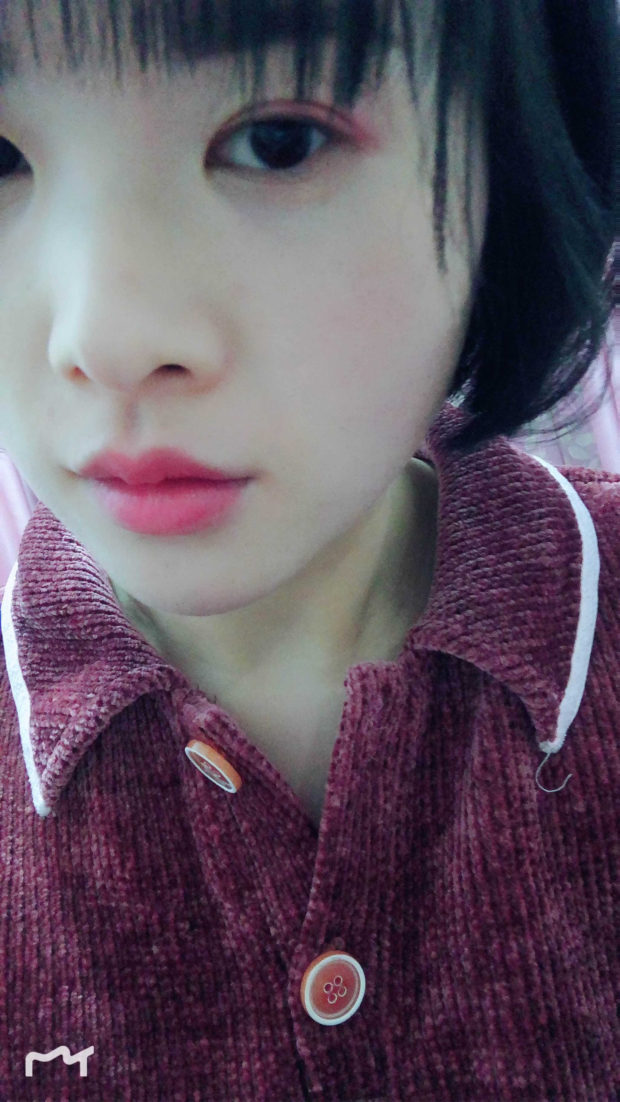 新宠法兰琳卡牌子的#P01色号口红樱花清酒,试色臭美一下