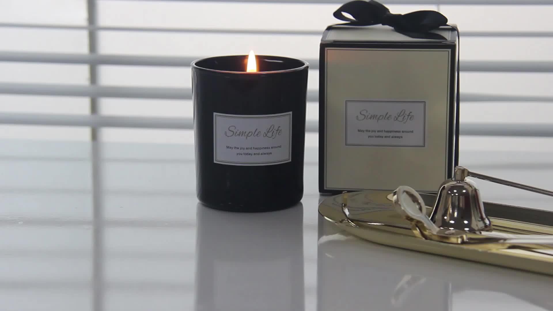 Parfums personnalisés en gros verre bougies parfumées pilier noir parfumée au soja bougies pots