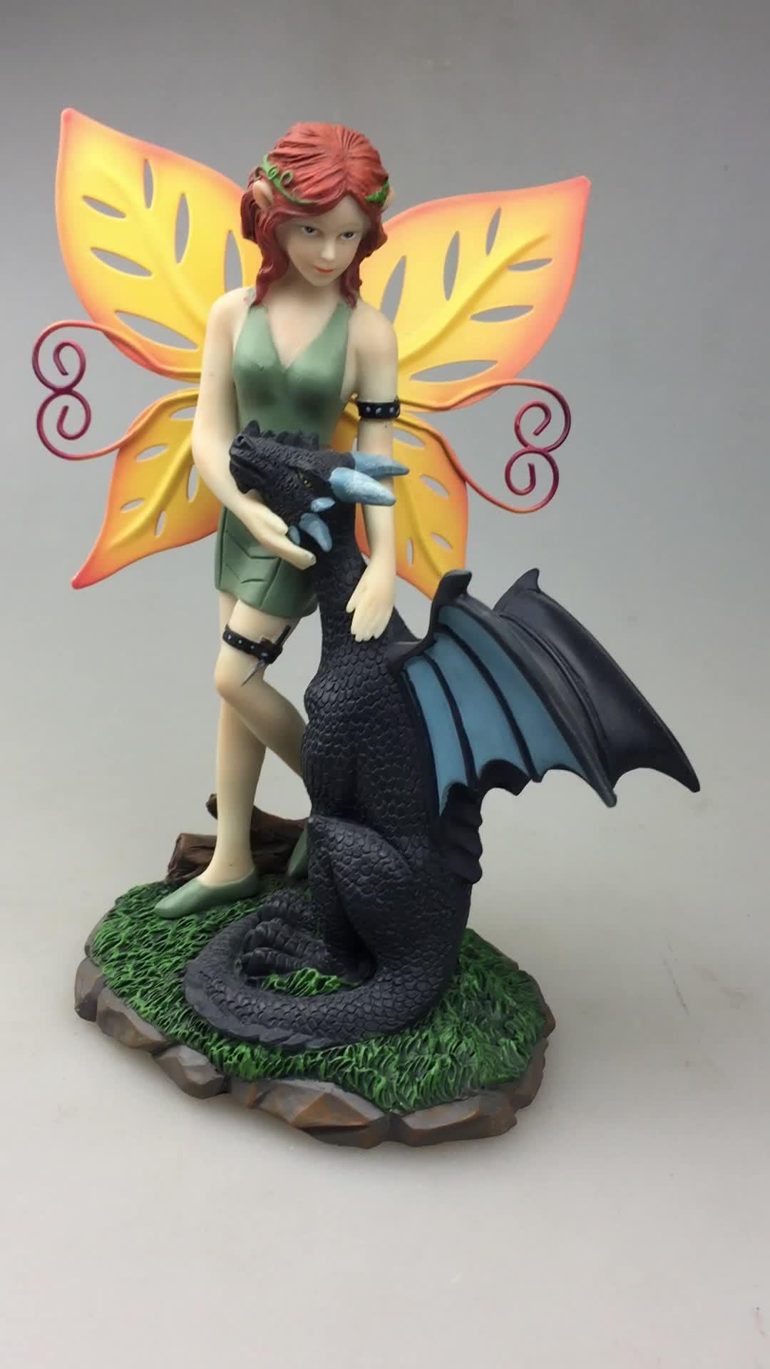 Dark Fee mit Drachen Wächter Statue und Figuren
