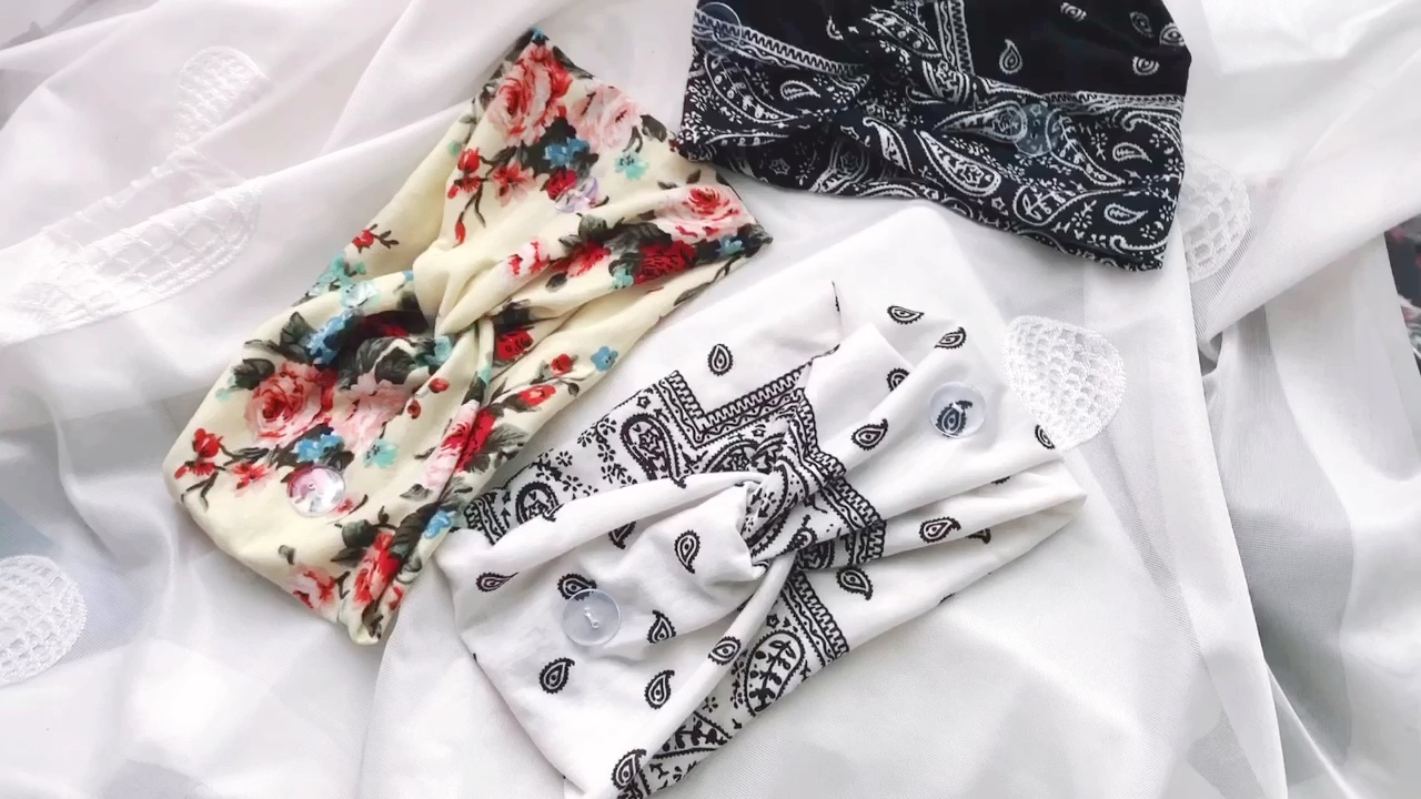 2020 hot sale  new custom multipurpose yoga headband  flower paisley printed button headband for  anti-tightening ear protector