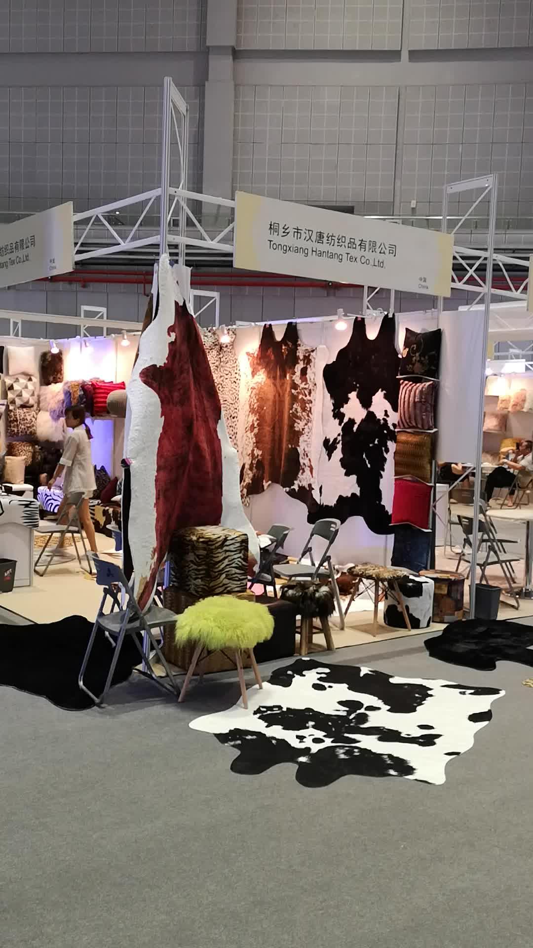 Noridic 스타일 얼룩말 소 카펫 가짜 모피 가죽 및 인쇄 동물 깔개