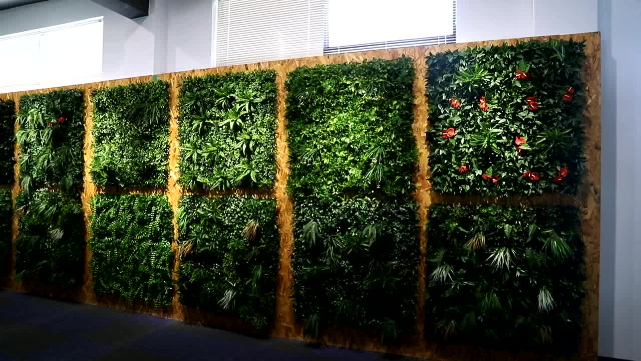 Outdoor Decorative Plastic Plant Hedge Fence Mat Panel Artificial Green Vertical Garden Wall