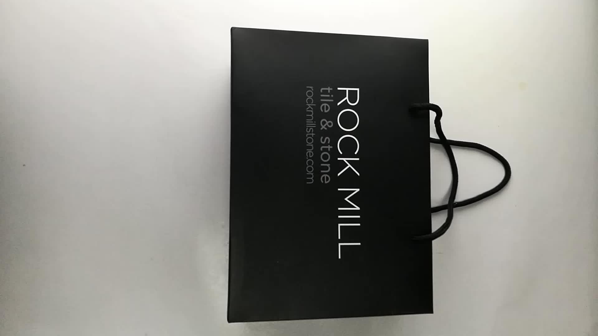उपहार पेपर बैग, साटन सुरुचिपूर्ण काले कागज उपहार बैग थोक