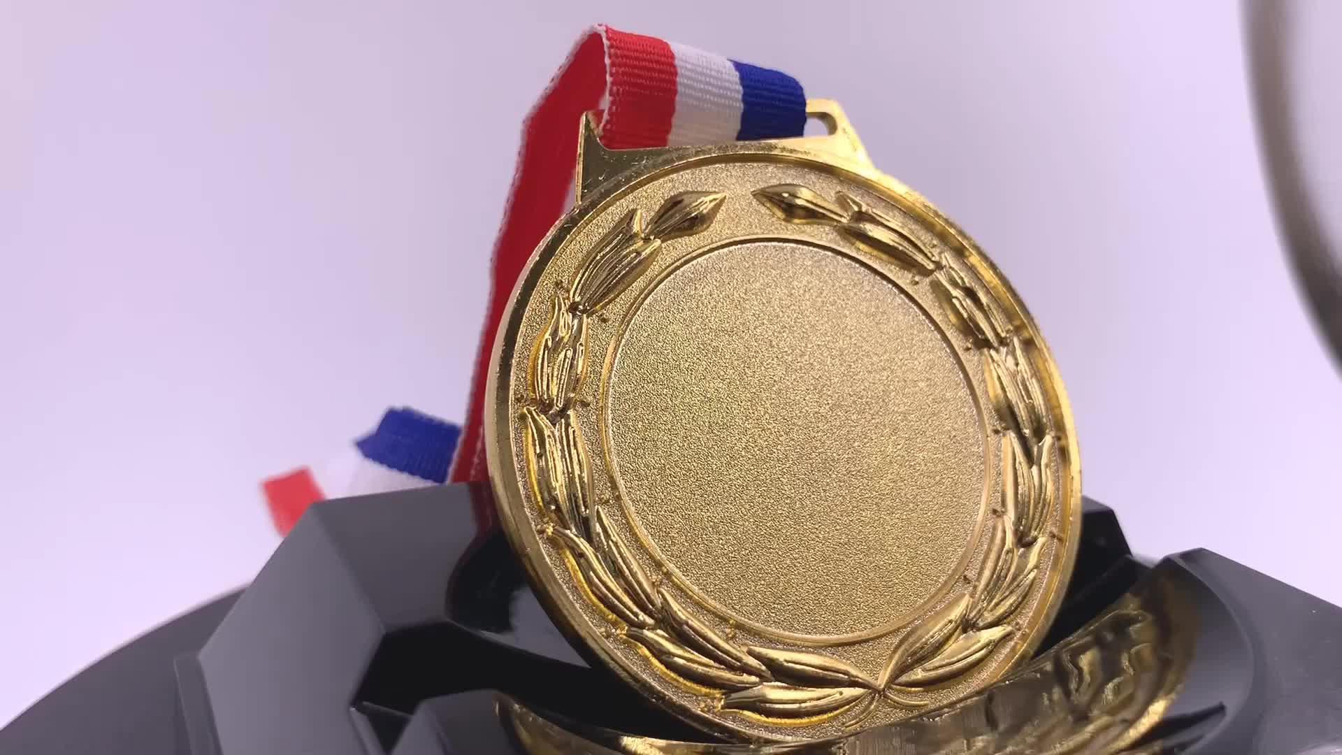 3d कराटे पदक रिक्त उच्च बनाने की क्रिया के लिए कस्टम पदक पदक रिबन