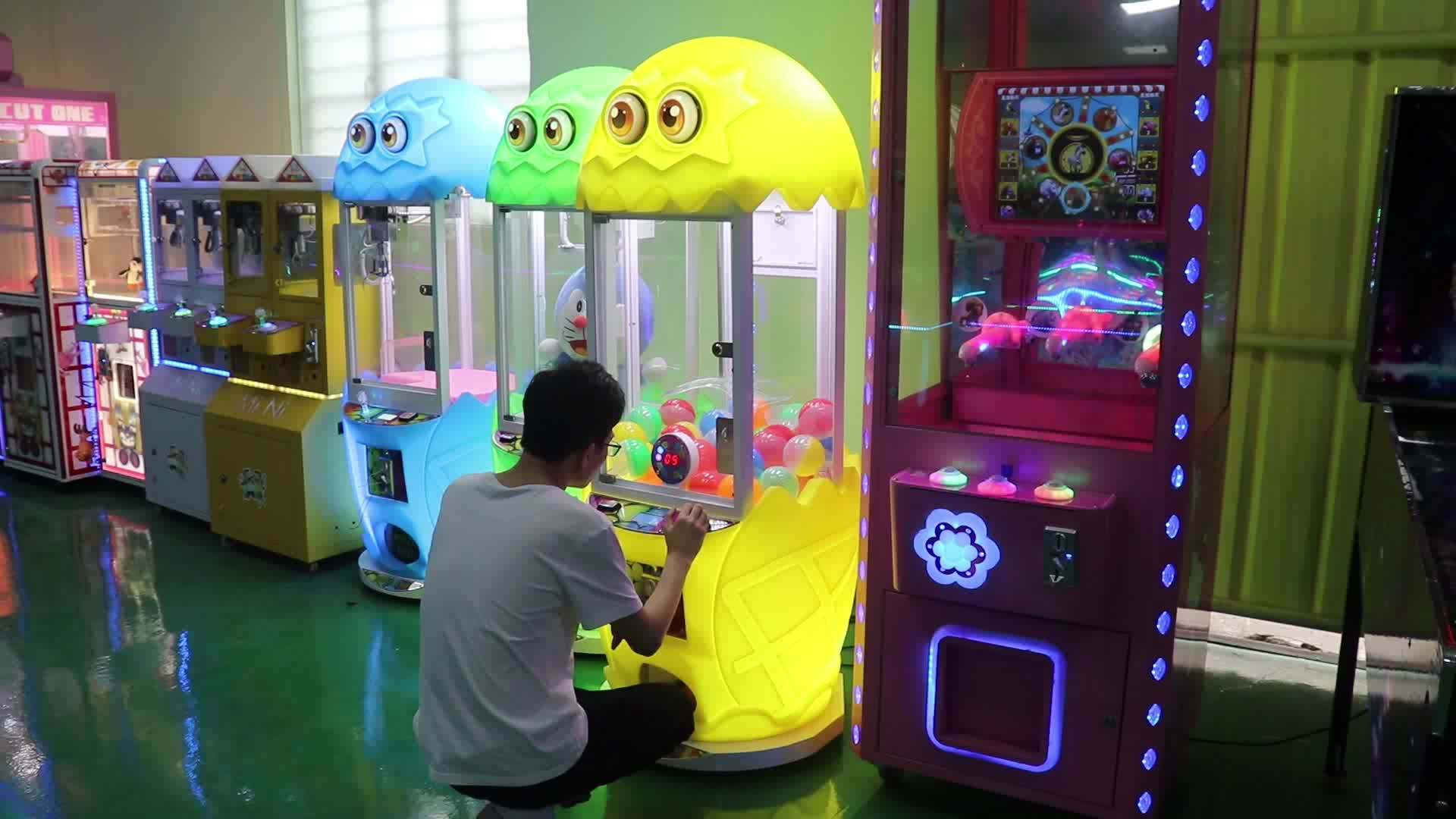 Quality Coin Operated Capsule Gashapon Vending Token Game Machine Kids Gift Prize Arcade Game