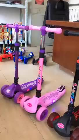 Wholesale 2020 fashion hot design cheap best sale custom kids stand kick 3 wheeled scooters for 2-6 year old toddler