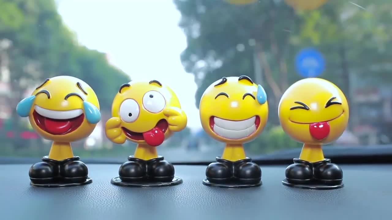 Hot Products For United States 2019 ABS Emoticon Series Emoji Car Shaking Head Toys For Car Dashboard