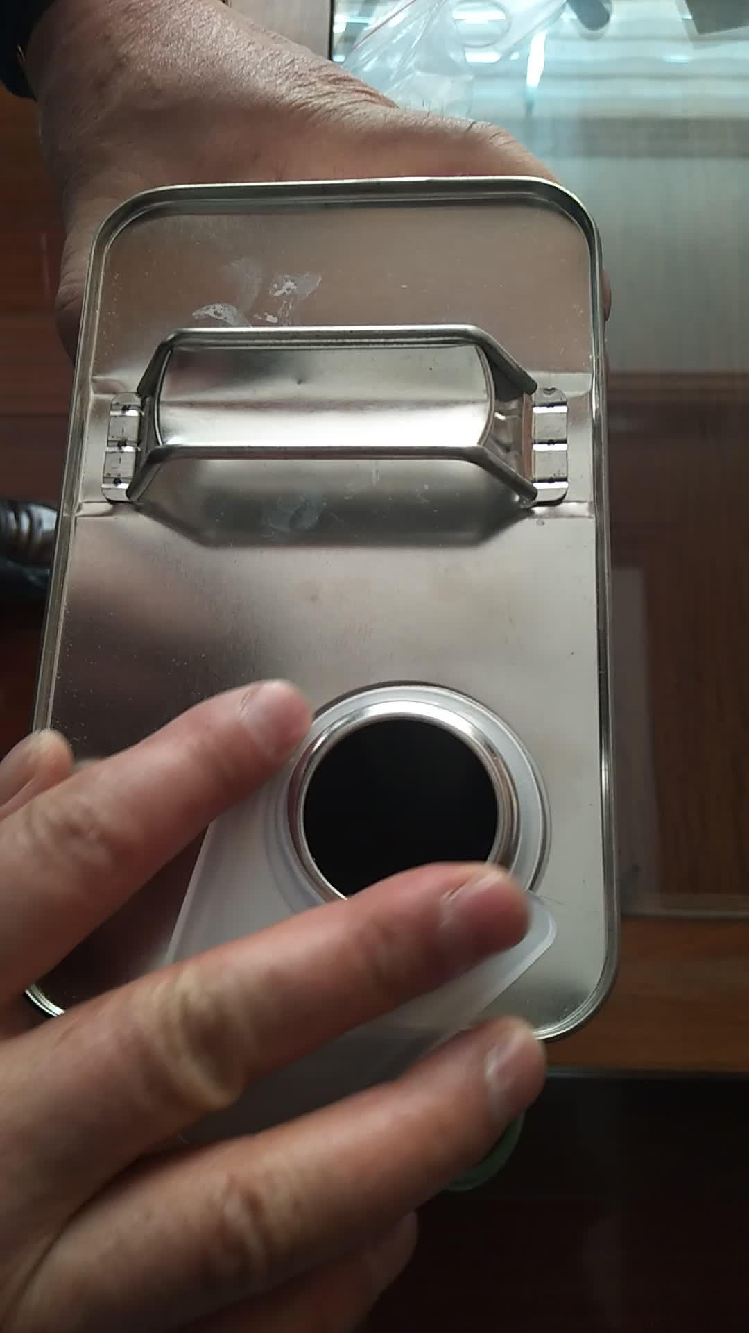 1 gallonen 4L F-stil weißblech können mit schraube deckel und metall griff für chemikalien verpackung