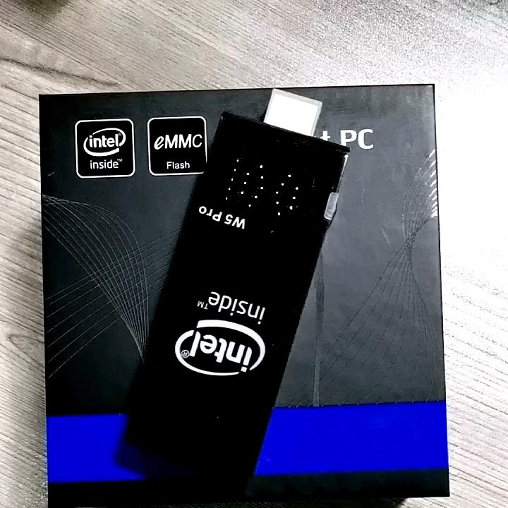 工場出荷時の価格新 W5 プロミニ pc インテル Z8350 チップ 2 グラム 32 グラム 4 グラム 64 グラムファンレススティック pc HD-MI 出力ドングルコンピュータシンクライアント
