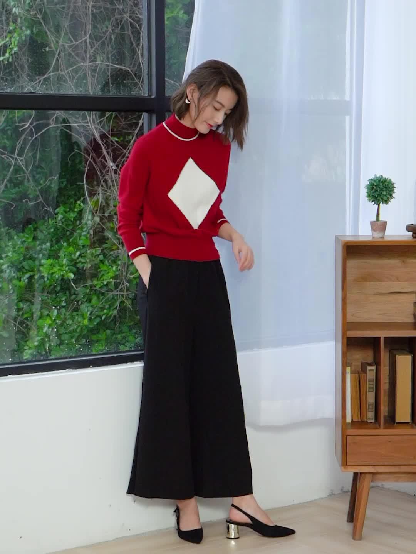 女性の O ネック長袖プルオーバーカシミヤのセーター