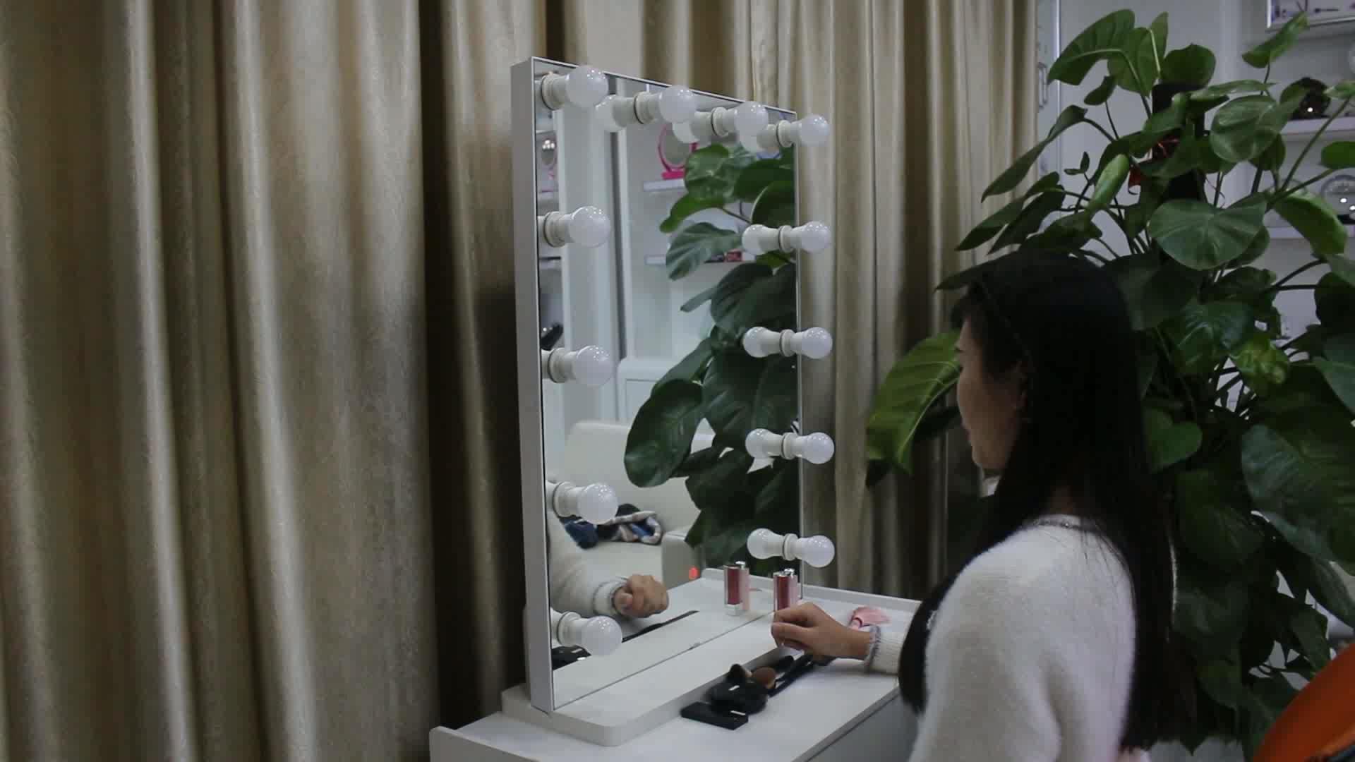 Capelli salone di barbiere specchio musica funzione di specchio per il trucco specchio calda ha condotto le lampadine