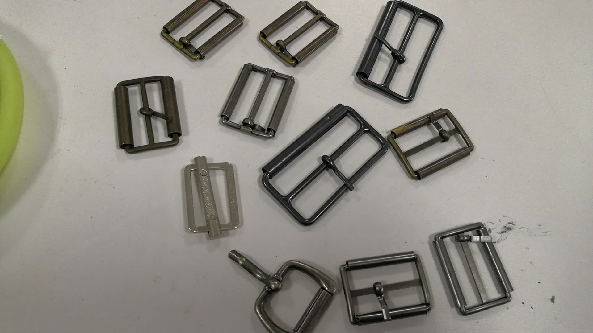 Factory direct alloy custom belt buckle Clothing accessories Color and size custom