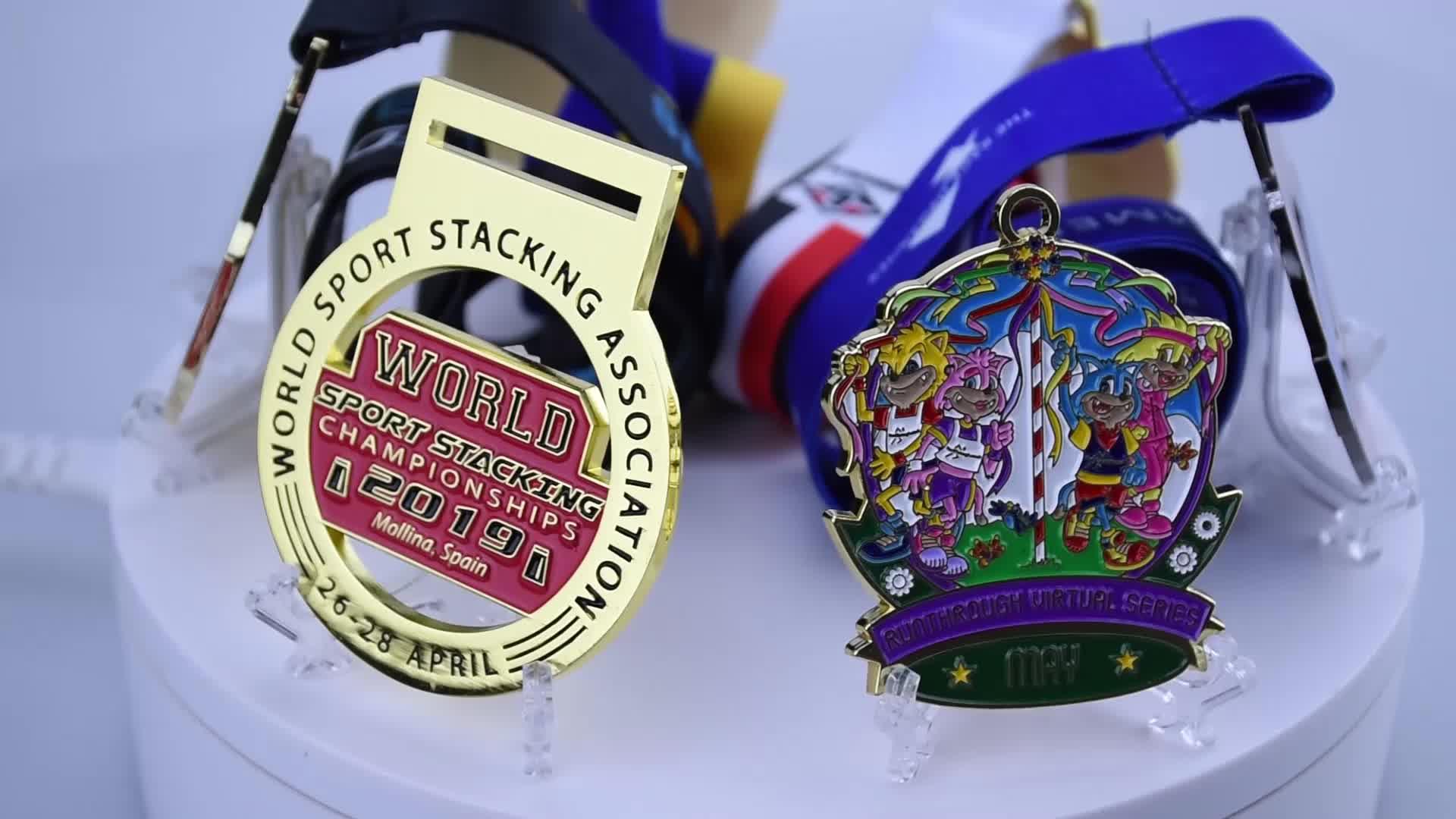Groothandel custom goedkope 3D running marathon voetbal volleybal taekwondo winnaar award lege metalen goud sport medaille