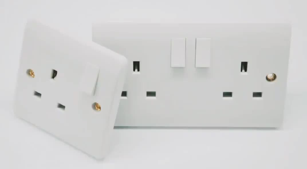 Smart Wall Mounted Universal Socket with Double USB Chargers Wifit Remote Control Power Socket
