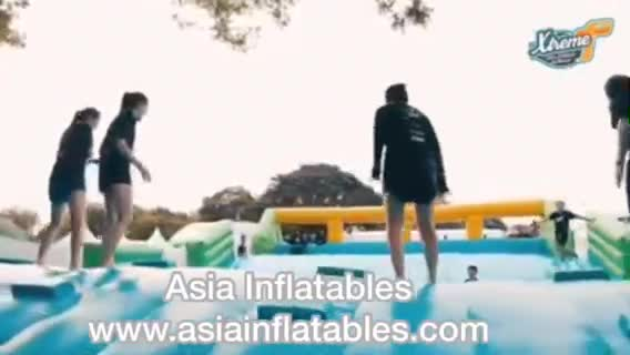 Colour Inflatable Obstacle Course Santa Water Rush 5K Insane Inflatable Run