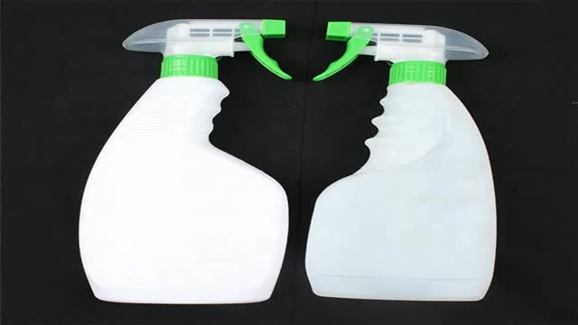 Chemical trigger spray bottle for cleaning product
