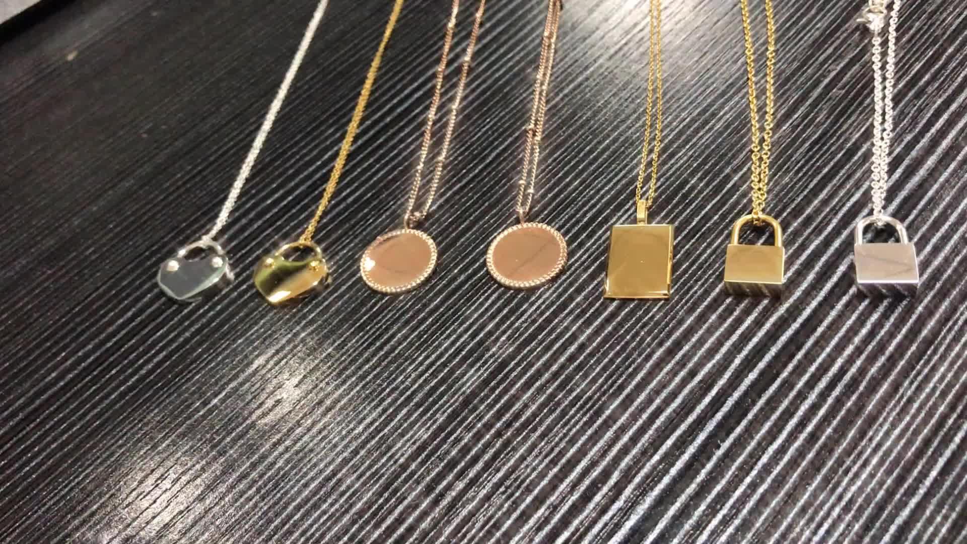2019 ファッションゴールドロックネックレス彫刻ステンレス鋼ネックレスベンダー