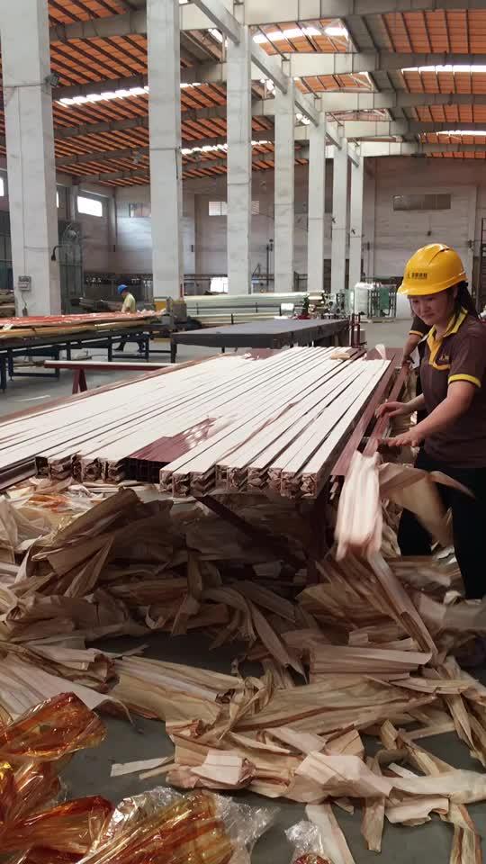 Différentes couleurs en bois grain en aluminium extrusions, bois couleurs section en aluminium pour la décoration