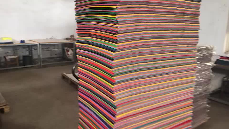 ขายส่งราคาจีนโรงงานสีลูกฟูกม้วนกระดาษหัตถกรรมลูกฟูกกระดาษสำหรับเด็ก