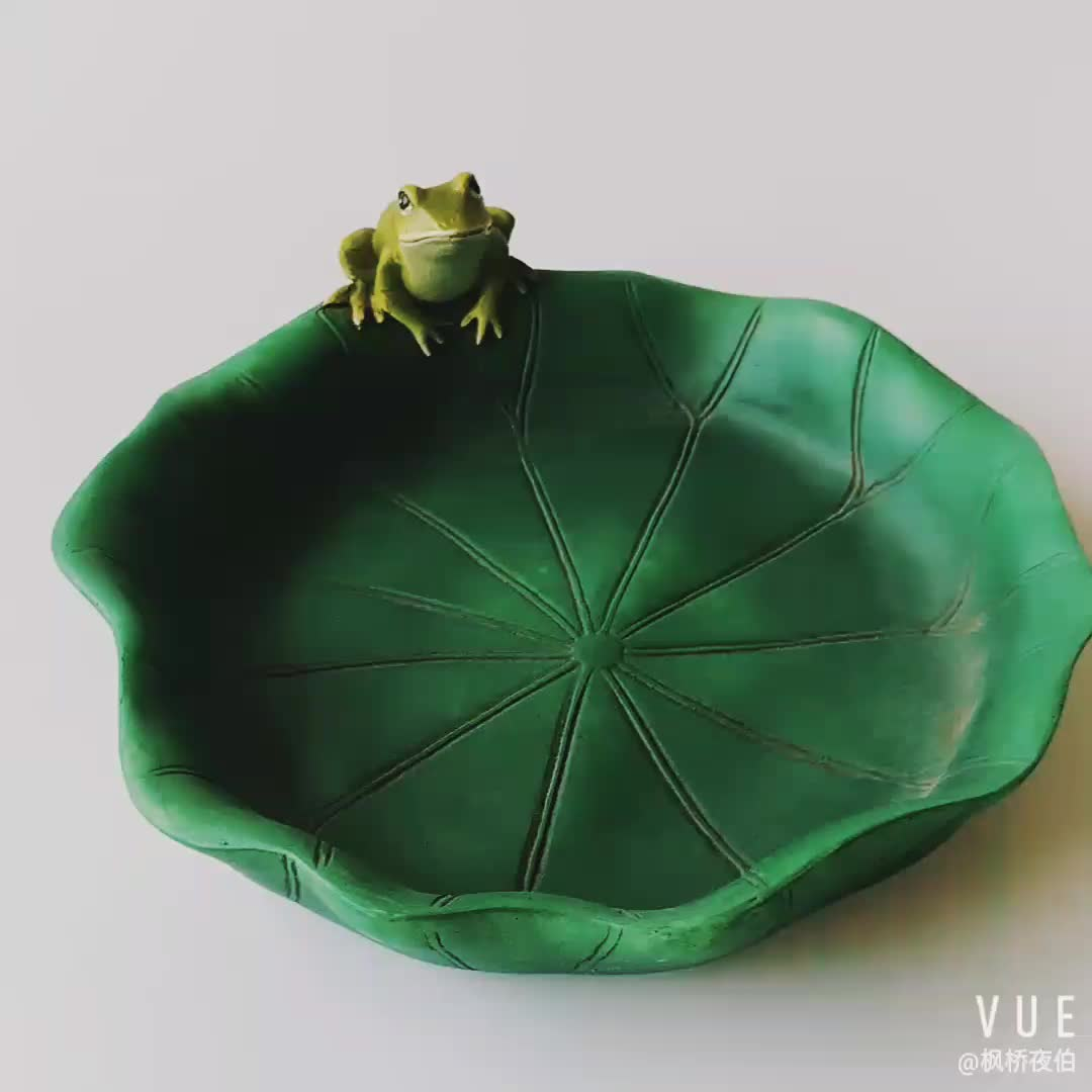 8.25 Inch Resin Bowls Tabletop Decor Lotus Leaf Sitting Frog