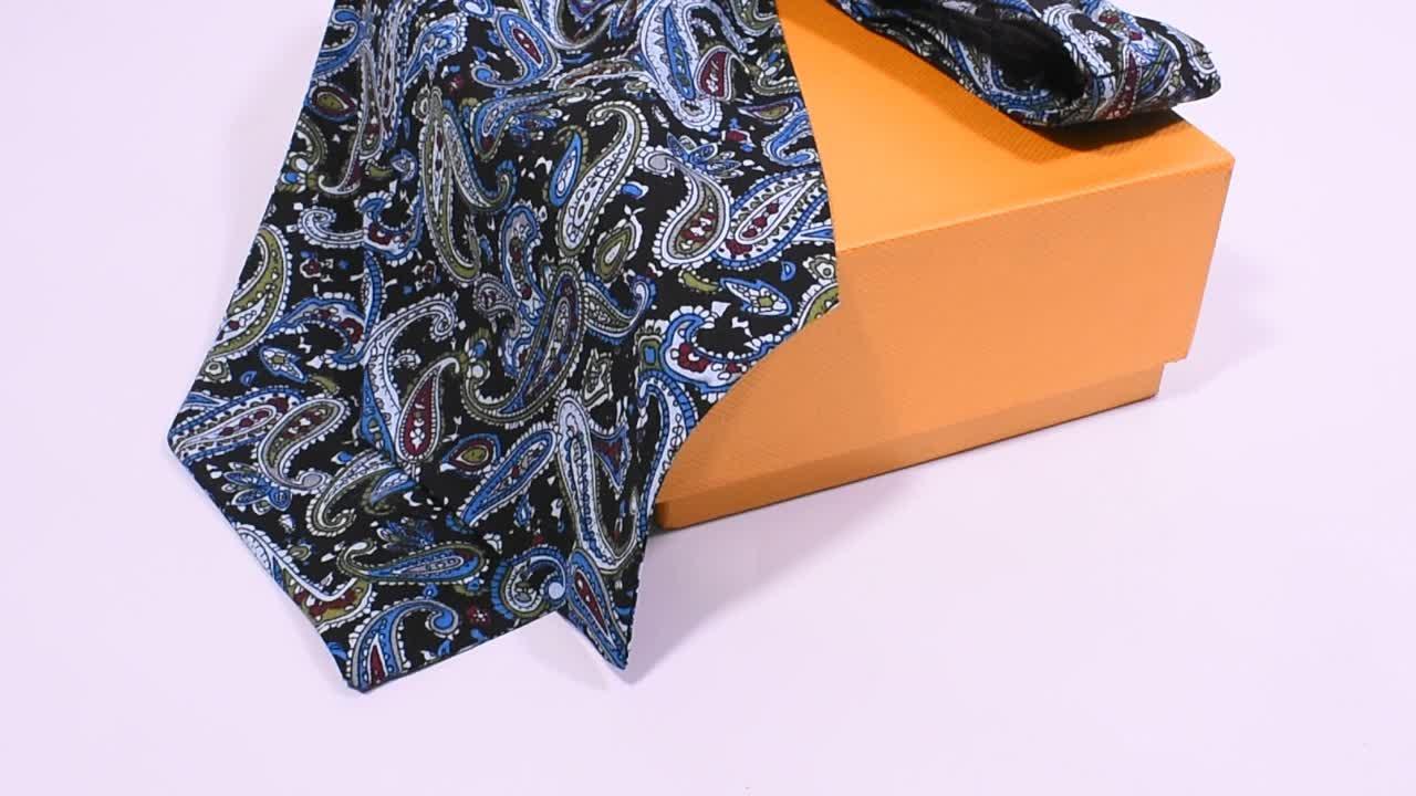 Nach 100% Seide Rot Grau Floral Ascot Krawatte Krawatte