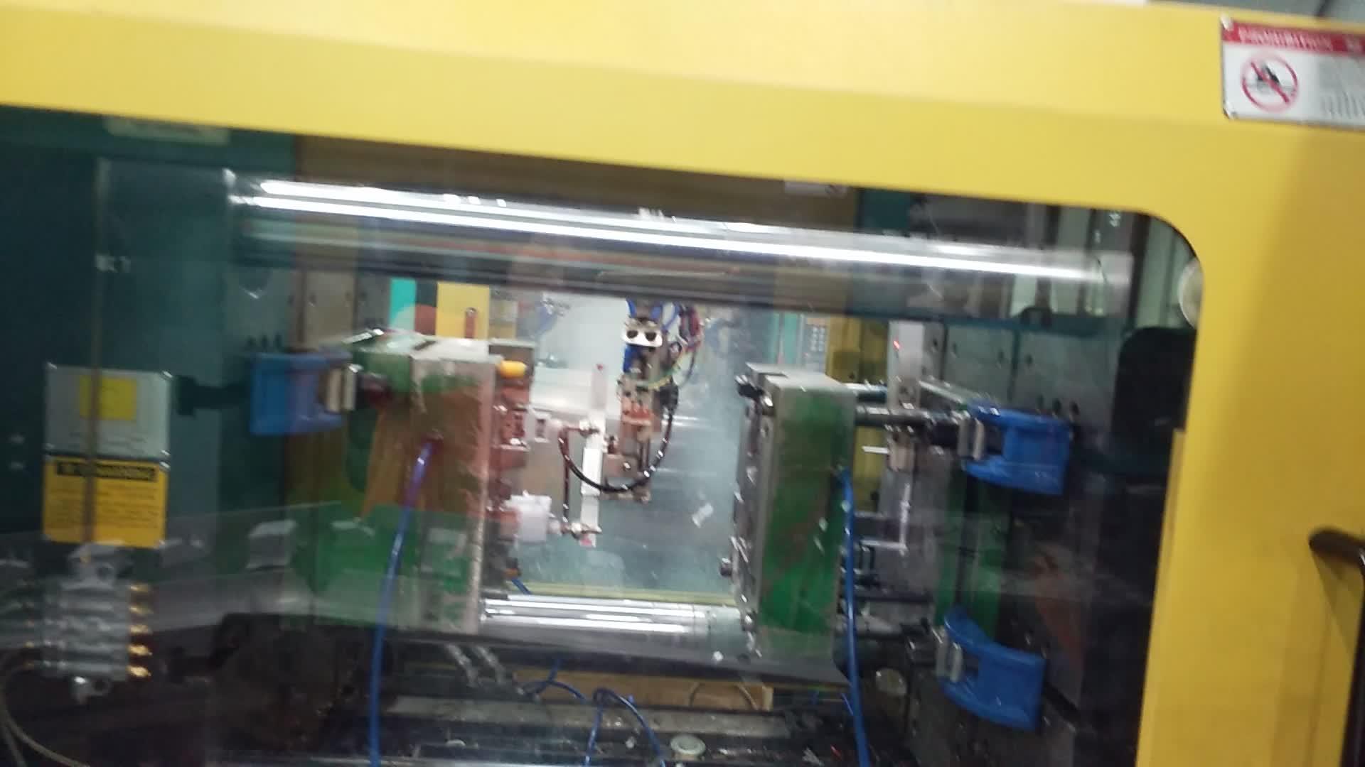 Kundenspezifische transparente Kunststoffspritzgussteile mit PC / PS-Material