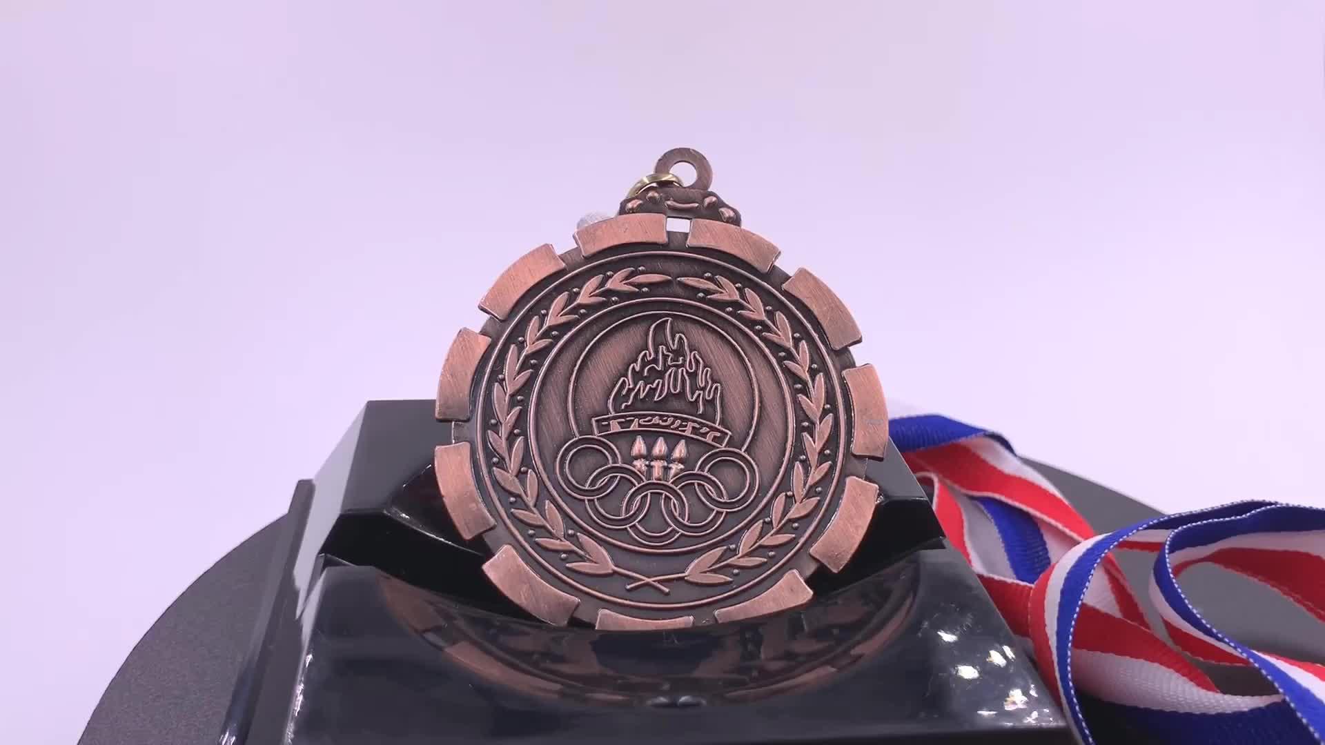 Personalizado Impresso Fitas Medalha Troféu Banhado A Ouro de Cristal Medalha para o Desafio
