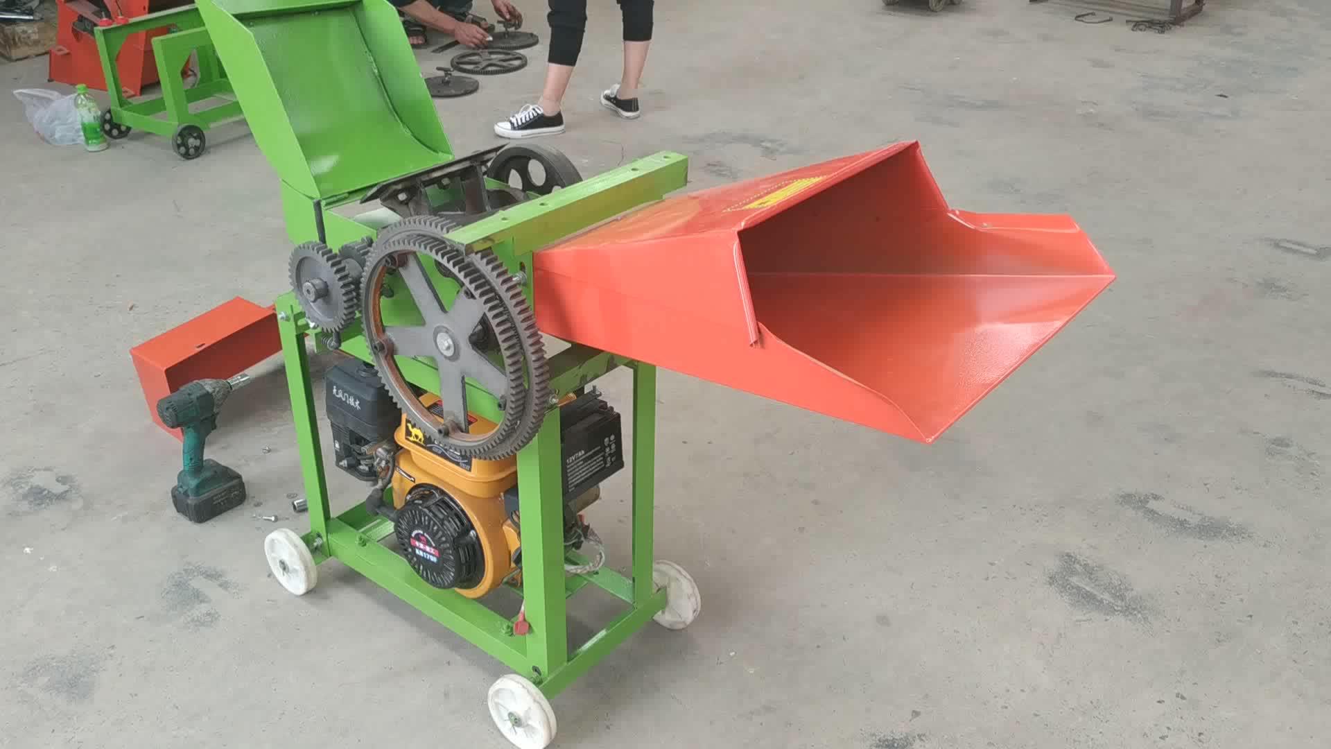 नई डिजाइन छोटे से खेत घास हेलिकॉप्टर का उपयोग मिनी सिलेज फूस कटर मशीन
