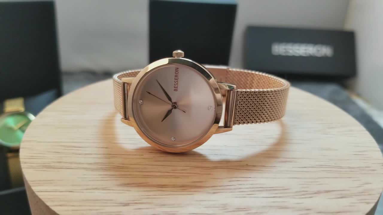 OEM/ODM Manufacturer 3ATM waterproof orologio ultra thin small size hand watch for my girlfriend