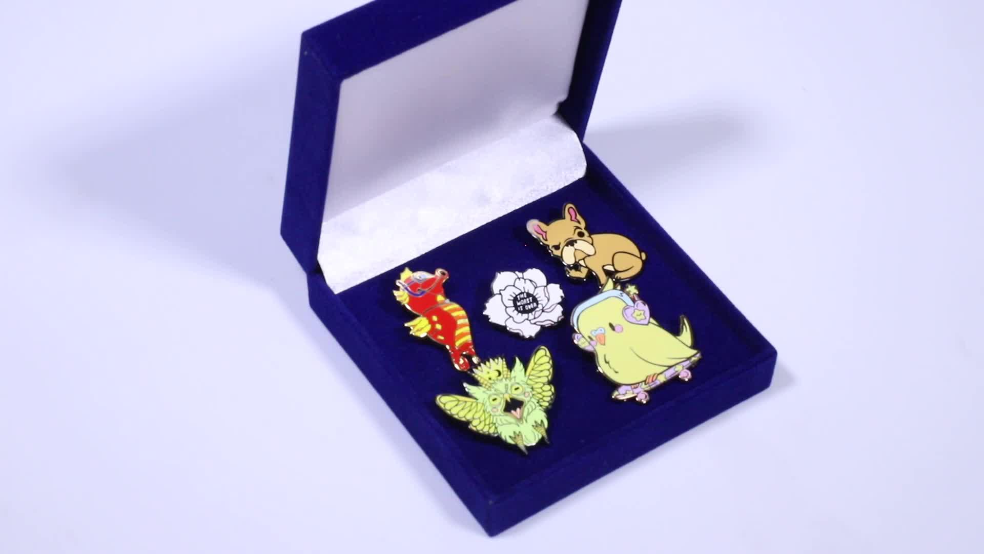 Manufacturer supply cartoon dog pins hard enamel, cheap custom lapel pins no minimum