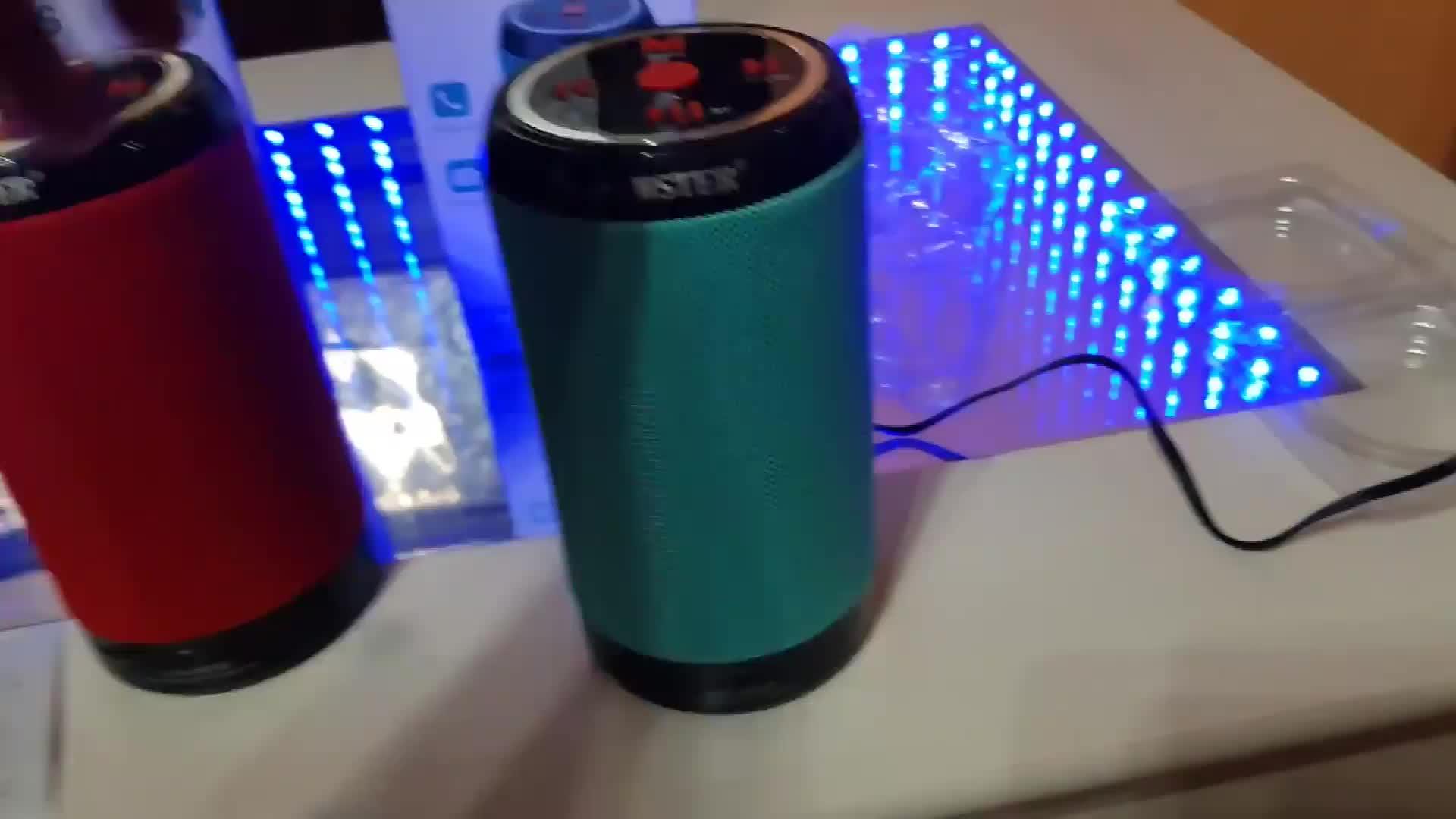 Yeni gadget taşınabilir tf kart oynatma kablosuz hoparlör Bluetooth küçük ses kutusu