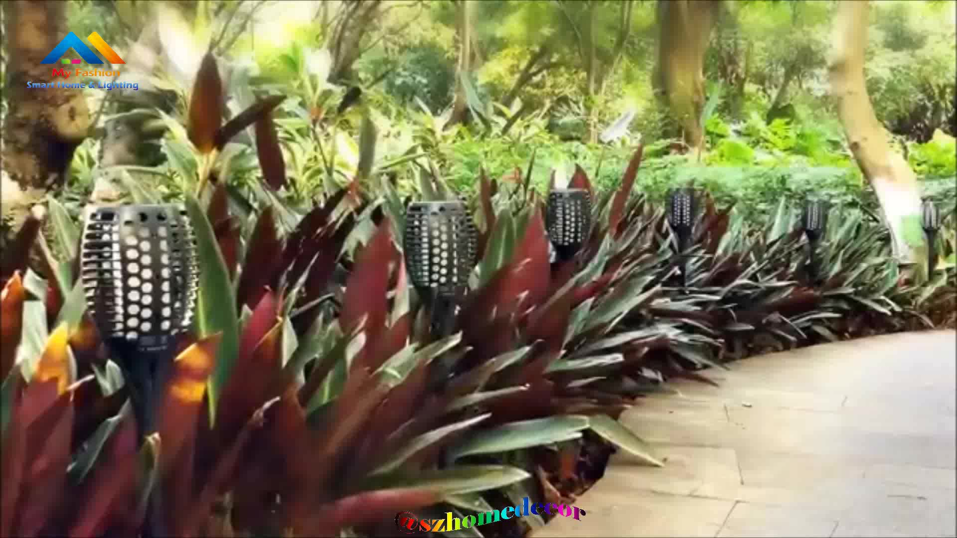 Solar Torch Light with Flickering Flame,Fire Effect Lantern,Dancing Flame Solar Powered Lamp,Solar Garden Light 96LED Home yard