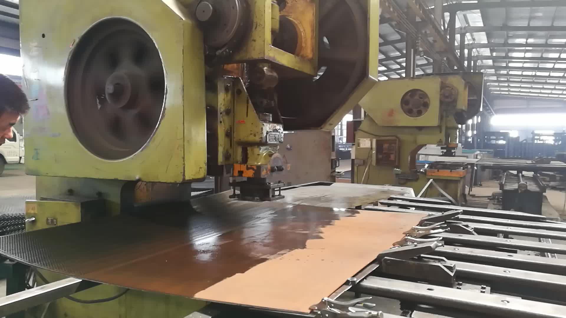 Lubang Bulat PVC Dilapisi atau Galvanis Baja Karbon Rendah Kualitas Tinggi Mesh Logam Berlubang