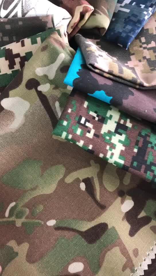 220GSM T / C 65/35 RIPSTOP ATACS-FG Polyester-Baumwolltarnungs-Gewebe für Militäruniform-Anti-IR-Moskito-freies Finishing