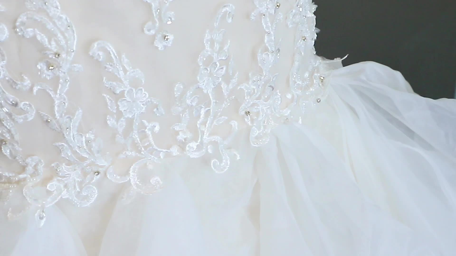 Beautiful Sexy Spaghetti Strap Lace V-neck Mermaid Style Wedding Dress