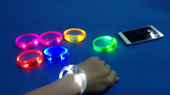 High Quality Music Active Lighting Wristbands for Wedding Favor Party Items Event Concert Music Festival Giveaways
